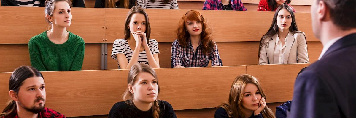 Civica: NO alla modifica della legge della scuola